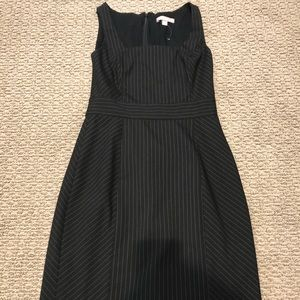 Banana Republic Size 6 Pinstripe Shift Dress